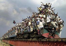 india-train-crowds